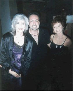 Emmylou Harris, Rique and Pat Benetar at Women Who Rock Breast Cancer Concert 2001 Los Angeles