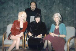 Rique, Dolly Parton, Linda Rondstadt and Emmylou Harris at Trio Press Tour -  New York 2000