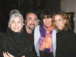 Emmylou Harris, Rique, Chrissy Hynde and Sheryl Crow - London 2001